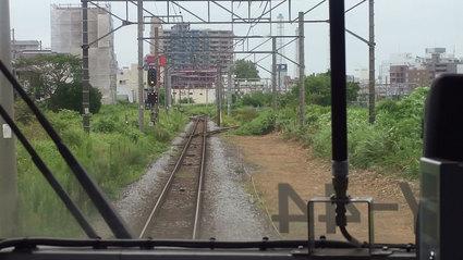 久里浜駅直前前方車窓